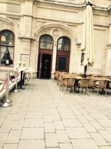 Café Oper Entrén