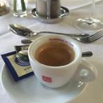 Café Restaurang Bürgerhof, Dags för bild på en Espresso