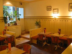 Café Konditorei Gumpendorf Bild på interiören!