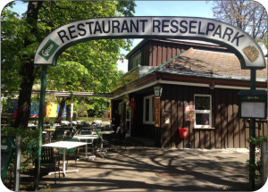 Café Restaurang Resselpark. Bildägare  @http://www.restaurant-resselpark.at/
