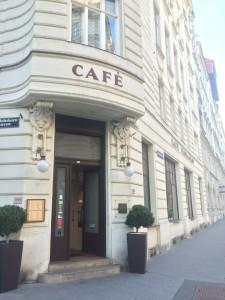 Entré in till Café Florianihof,