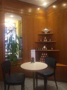 En mysig interiör bild inne på Café Bredendick.